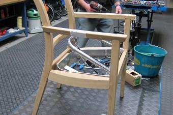 One of the first prototypes gave important insight on the required ergonomics. The gas spring reduced the dynamics of the boost and was removed.