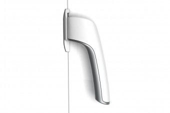 The gasket-breaking handle proves that universal design can be also beautiful and sleek.