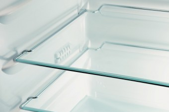 Chrome rods (instead of plastic frames) give the shelves a sleek and architectural appearance.